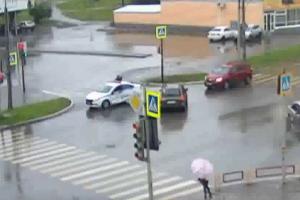 В Каменске-Уральском в аварию попала машина ДПС