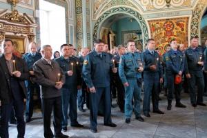 Пожарные Каменска-Уральского отметили день иконы Божьей Матери, именуемой Неопалимая Купина, которая является покровительницей огнеборцев