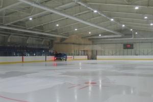 «Каменск-Арена» готовится к открытию нового зимнего хоккейного сезона. А Павел Гиматов прокомментировал драку двух детских команд в Каменске-Уральском