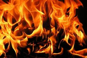 21 октября вечером произошел пожар в пятиэтажке на улице Белинского в Каменске-Уральском