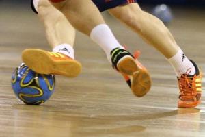 Прошли очередные матчи чемпионата Каменска-Уральского по мини-футболу. Лидеры с боем добывают очки