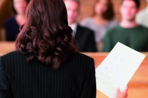 В Свердловской области, в том числе и для Каменска-Уральского, утвердили список предметов, которые запрещено проносить в суд