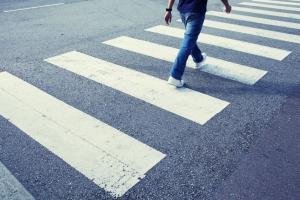 На улице Жуковского, 11 в Каменске-Уральском обустроят пешеходный переход