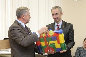 В Каменске-Уральском отметили очередного многодетного отца депутата