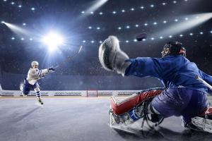 Прошли очередные игры обоих чемпионатов Каменска-Уральского по хоккею