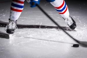 В чемпионате Каменска-Уральского по хоккею среди ветеранов заявилась еще одна команда